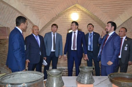 "Alik Shpekbayev acquainted with ""Azret Sultan"" the museum-reserve"