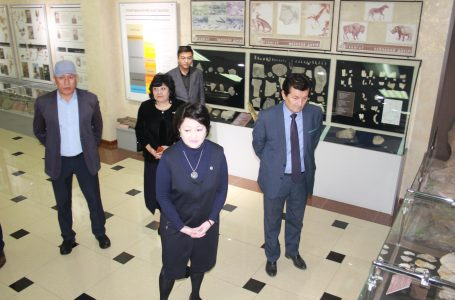 Aktoty Raiymkulova met with culture workers of the Turkestan Province