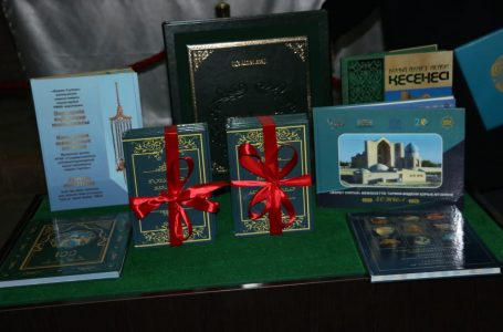 Презентация книги  «Ханы и султаны, покоящиеся в Туркестане»