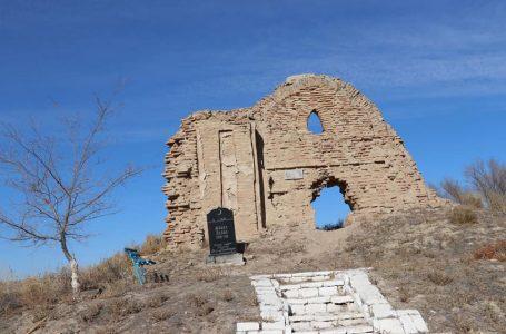 В Созаке покоятся предок и ученики Ходжи Ахмеда Ясави и мастер отливший Тайказан