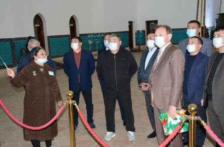 Сотрудники министерства по чрезвычайным ситуациям РК ознакомились с работой заповедника-музея «Азрет Султан»