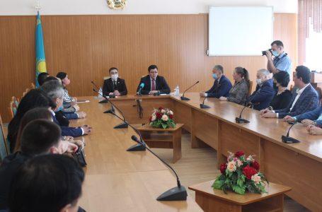Мәдениет және спорт вице-министрі Нұрғиса Дәуешов Семей өңірінің мәдениет және өнер саласы қызметкерлерін марапаттады