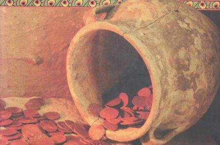 «Әзірет Сұлтан» музейі қорындағы темуридтер кезеңінің Қарашық мыс ақшалар көмбесі